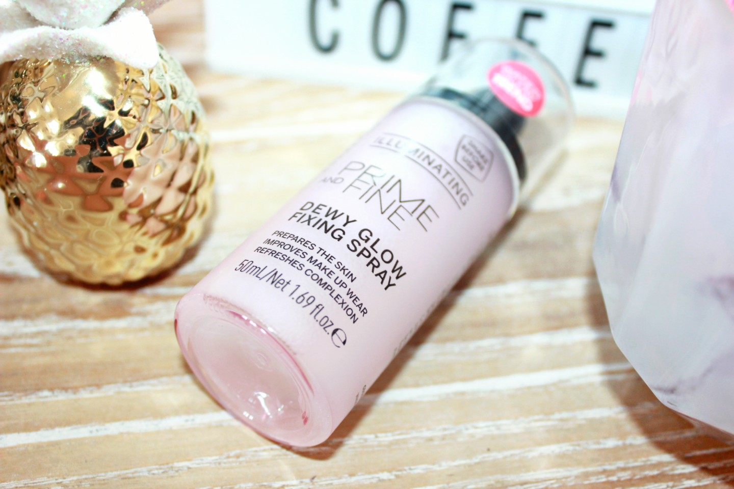 Catrice-Dewy-Glow-Fixing-Spray-Review